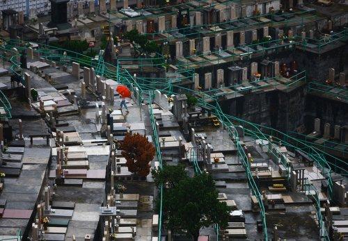 Настало время вертикальных кладбищ (9 фото)