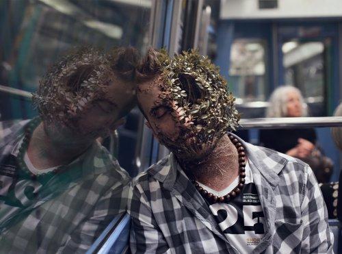Зловещие сюрреалистические портреты людей, пожираемых растениями (8 фото)
