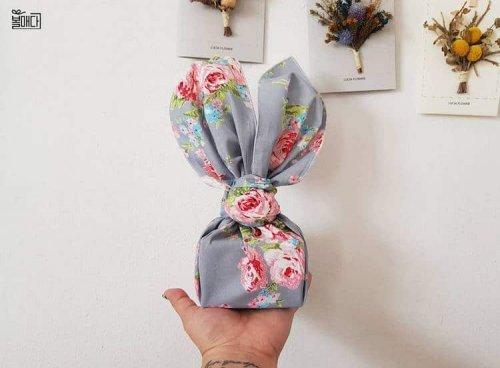 Набирающий популярность тренд: подарки, упакованные в обёрточную ткань (7 фото)