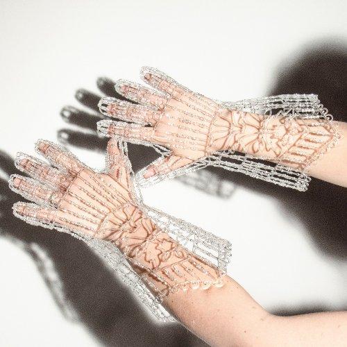 Стеклянные скульптуры Кит Полсон, которые можно носить (10 фото)