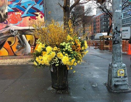 """""""Цветочные вспышки"""" на улицах Нью-Йорка (9 фото)"""