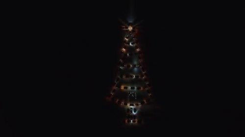 Челябинская новогодняя ёлка из внедорожников