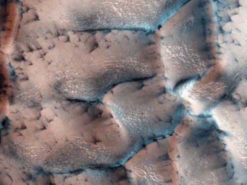 Как Марс выглядит зимой (10 фото)