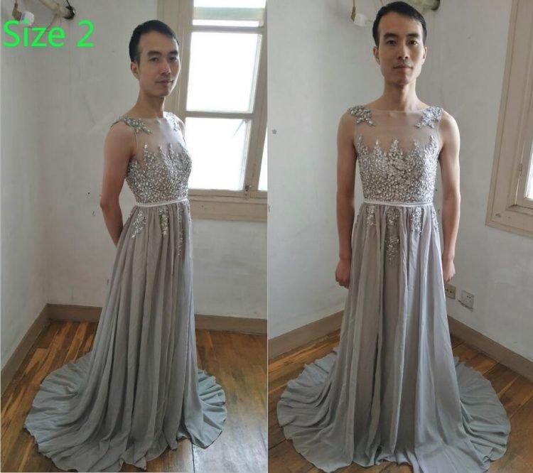 28c9bbecf100 ... реальные фотографии одежды, а не снимки с фотостока, как это чаще всего  делают китайские онлайн-продавцы, он нарядился в платья, которые продаёт,  ...