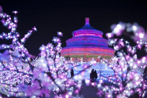 Международный фестиваль ледяных и снежных скульптур в Харбине 2018 (18 фото)
