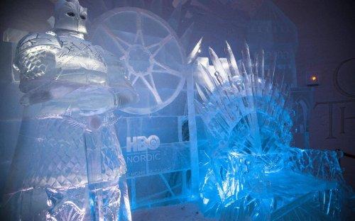 """В Финляндии построили ледяной отель по мотивам """"Игры престолов"""" (16 фото)"""