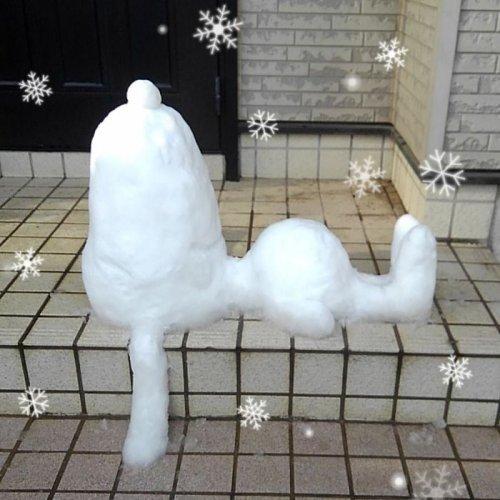 Прикольные снежные скульптуры на улицах Токио (37 фото)