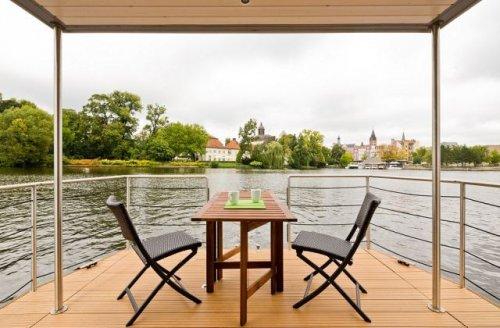 Дом для тех, кто любит жить на воде (12 фото)