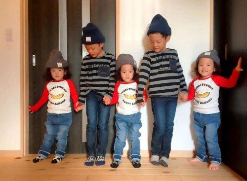 Когда в семье растут двойняшки и тройняшки, и все — мальчики (22 фото)