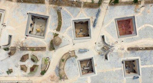 Яодун: Китайские пещерные дома (11 фото)