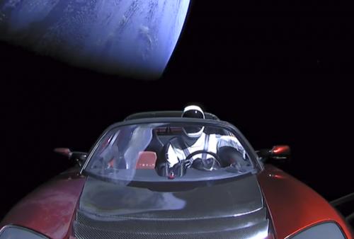 Автомобиль Tesla Roadster Илона Маска запустили в глубокий космос (4 фото + видео)