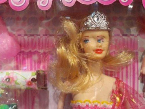Приколы и маразмы в магазинах: странные и жуткие игрушки (17 фото)