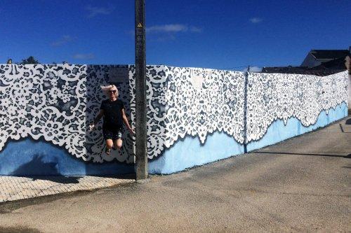 Кружевной стрит-арт польской художницы NeSpoon (17 фото)