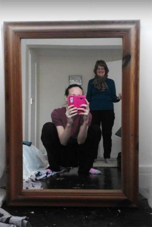 смешные фото с отражения зеркал самое любопытное этом