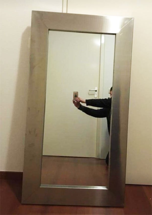 стрелял смешные фото с отражения зеркал так