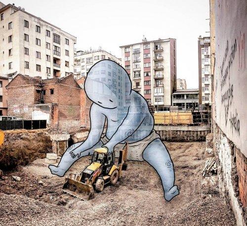 Художник изображает тайную жизнь гигантов на улицах турецких городов (24 фото)