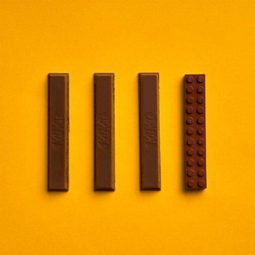 Художник завершает повседневные предметы с помощью LEGO (16 фото)