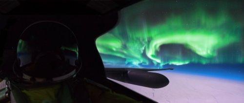 Северное сияние, сфотографированное с высоты 70 тысяч футов (10 фото)