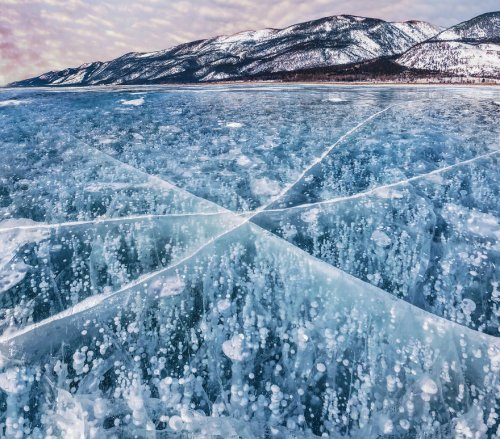 Красота замёрзшего Байкала в фотографиях Кристины Макеевой (18 фото)