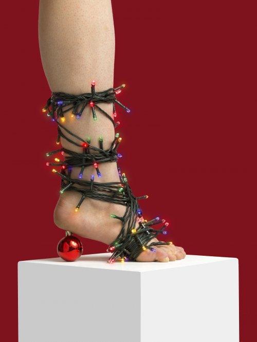 Необычная обувь, созданная Николаем Бейером из повседневных предметов (15 фото)
