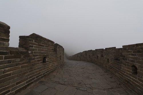 Редкий взгляд на пустынную Великую Китайскую стену через объектив Андреса Галлардо Альбахара (8 фото)
