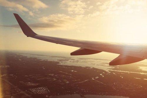 Исландская авиакомпания готова платить за то, чтобы вы бесплатно путешествовали по миру (4 фото)