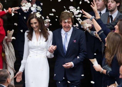 Свадебные фотографии знаменитостей, которые вы наверняка не видели (16 фото)