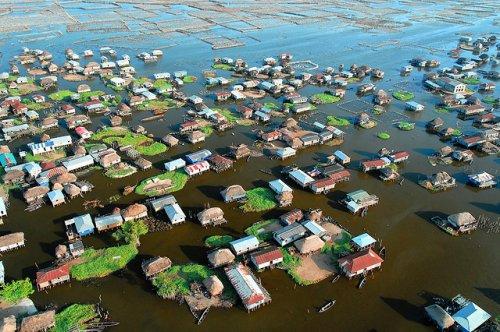 Ганвье – африканский город на озере (35 фото)