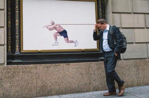 Мир совпадений в уличных фотографиях Джонатана Хиджби (13 фото)
