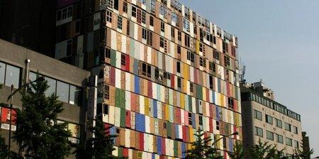 Здание тысячи дверей (5 фото)