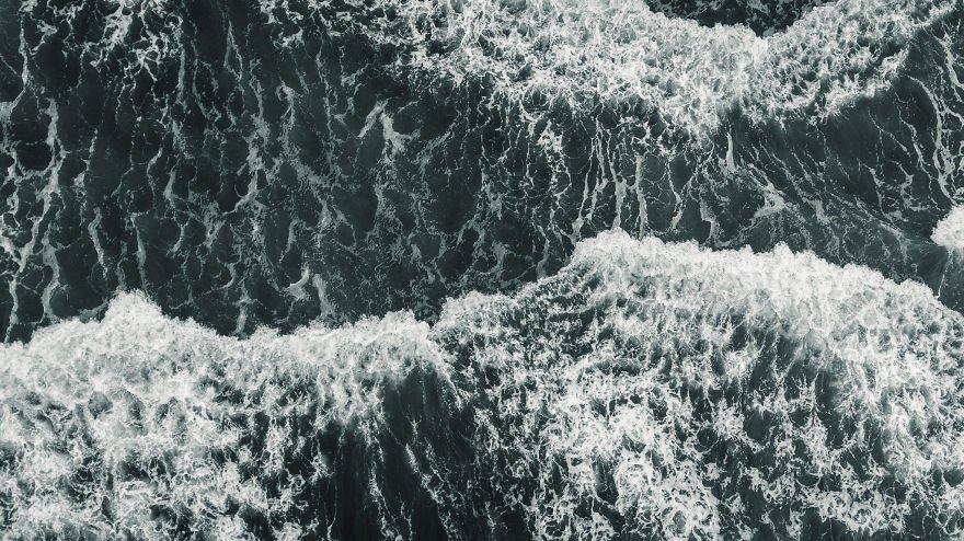 Дрон-фотографии шторма над Тихим океаном (9 фото)