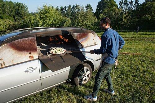 Старый автомобиль, превращённый в печь для пиццы (11 фото)