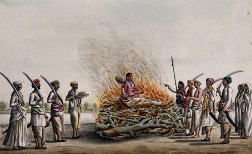 Топ-10: самые необычные ритуалы, связанные с похоронами и вообще мертвецами