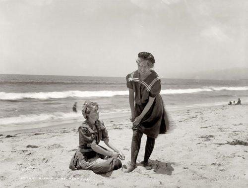 Как выглядели отдыхающие на пляжах в Викторианскую эпоху (16 фото)