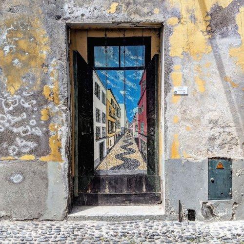 Двери Фуншала как произведения искусства (24 фото)