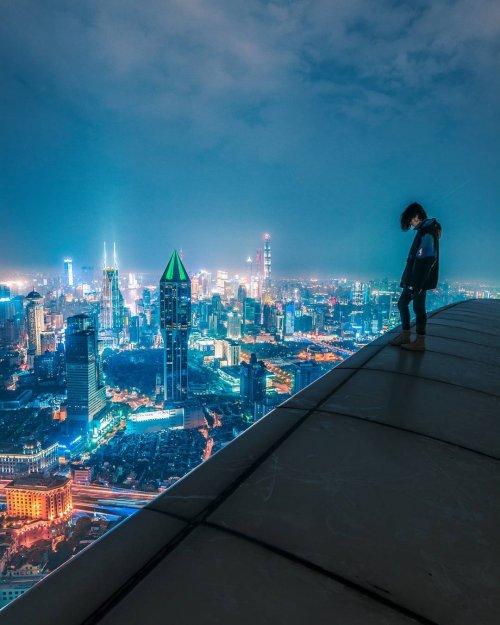 Ночной Шанхай в фотографиях руфера Виктора Чиана (19 фото)