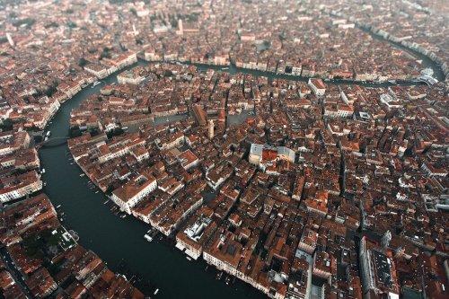 Венеция с неожиданного ракурса: взгляд с высоты птичьего полёта (7 фото)