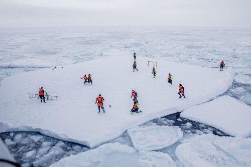 Футбольные поля со всего света (31 фото)