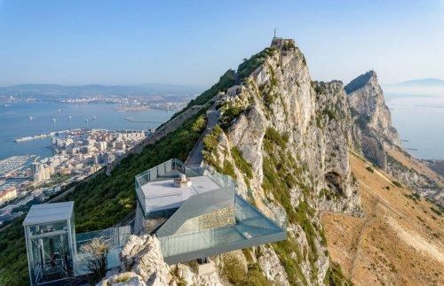 Смотровая площадка на Гибралтарской скале на месте старой военной платформы (6 фото)