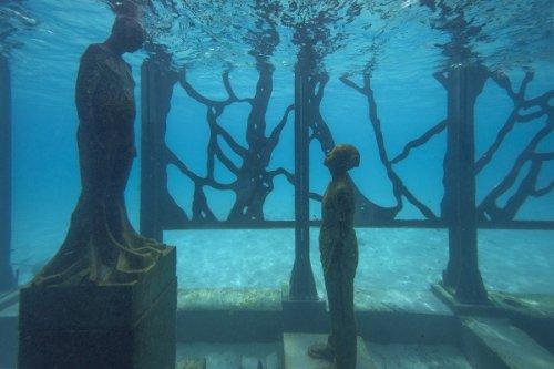 На Мальдивах открылась первая в мире подводная художественная инсталляция (14 фото)