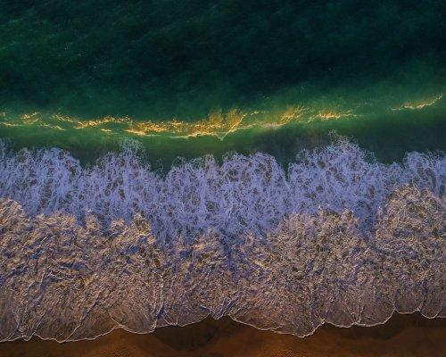 Дрон-фотографии сёрферов на пляже Лландидно (9 фото)