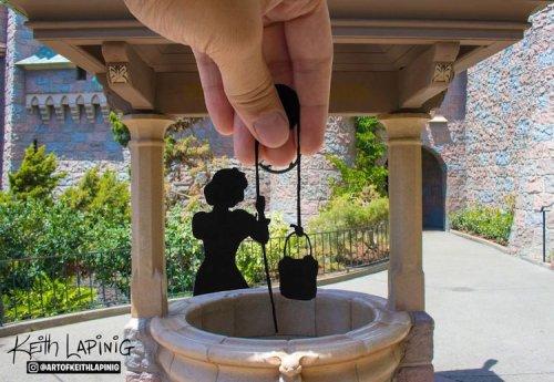 Художник воссоздаёт сказочные моменты, фотографируя бумажные силуэты в Диснейленде (23 фото)
