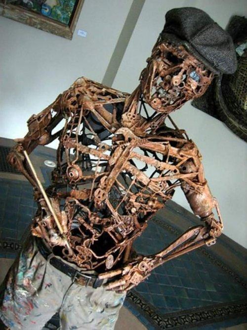 ТОП-25: Впечатляющие произведения искусства, созданные из ненужного хлама