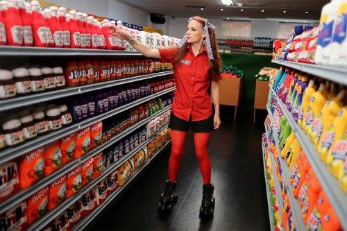 Необычный супермаркет, где всё сделано… из фетра (18 фото)