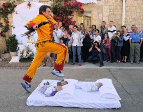 ТОП-25: Самые безумные праздники со всего мира