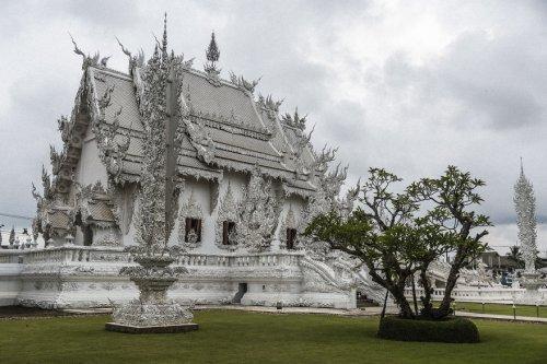 Удивительный храм Ватронгкхун в Таиланде (30 фото)