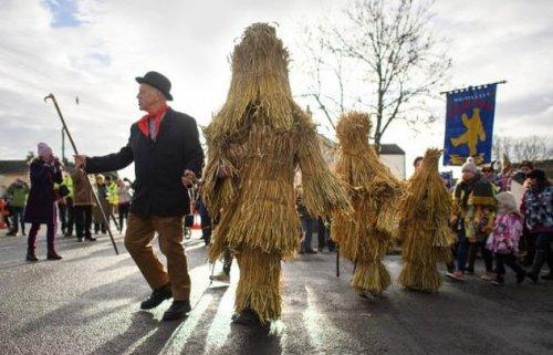 ТОП-10: Странные и удивительные британские праздники