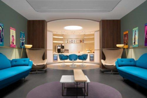 Самый роскошный зал ожидания в мире находится во французском аэропорту Париж – Шарль-де-Голль (5 фото)