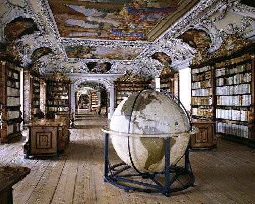 Самые красивые библиотеки мира в фотографиях Массимо Листри (19 фото)