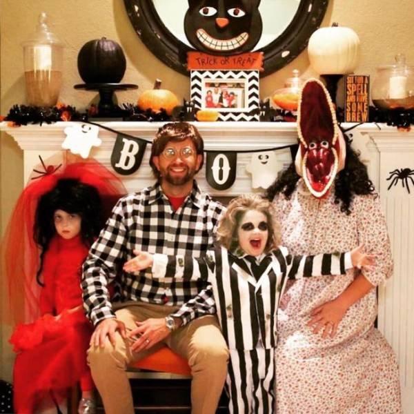 Прикольные костюмы на Хэллоуин для всей семьи (28 фото)